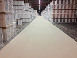 En färdigställd gångväg med flexibel cementbeläggning hos Electrolux