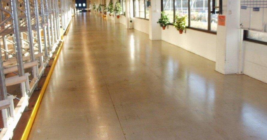Snygg ytfinish tack vare en behandling av betonggolv utfört av CFF